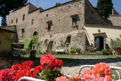Book now your holiday in Tuscany in this beautiful b & b with pool near Florence center in Tuscany, service of double rooms for 5/6 people