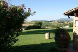 Book now your holiday in Castiglione del lago in Umbria in this beautiful private villa with pool in Castiglione del Lago in the province of Perugia