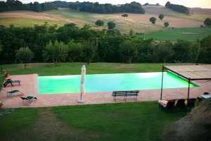 Farmhouse vacation rentals near Orvieto Umbria with pool, book your next holiday in Umbria in a vacation hilltop farmhouse immersed in the umbrian cou
