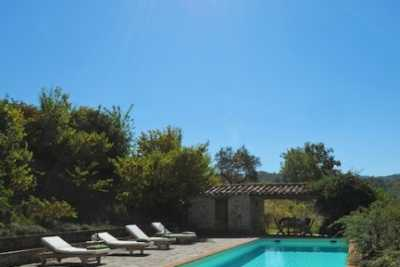 Farmouse vacation rentals Montone Umbria with pool, book your hilltop farmhouse immersed in the umbrian countryside with 5 bedrooms and 5 bathrooms