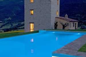 Book now your holiday in Perugia in Umbria in this beautiful private farmhouse with pool in the province of Perugia in Umbria. Rent a holiday