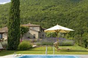 Book now your vacation in Perugia in Umbria in this beautiful private exclusive residence with pool in the province of Perugia rents in Umbria