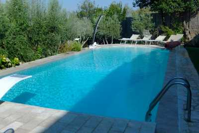 Rent now this wonderful Holiday Home in Tuscany, Arezzo with 3 beds in Castiglion Fiorentino in Arezzo, House that rises to the immediate periphery of