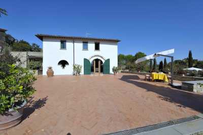 Villa vacations rentals in Impruneta with pool near Florence in Tuscany. Holiday villa immersed in the tuscan countryside in Chianti area