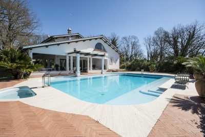 Book now your vacation in Rome in Lazio in this beautiful private villa with swimming pool with 10 beds in the province of Rome in Lazio, rent vacatio