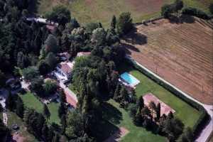 Book now your holiday in Montone in Umbria in this beautiful farmhouse for rent with swimming pool in Montone in the province of Perugia, Umbria, in t