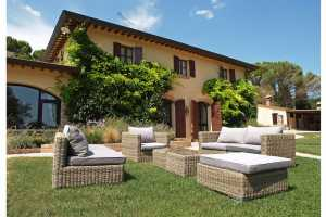 Book now your holiday in Umbria in this wonderful private villa with swimming pool in Todi in the province of Perugia in Umbria, now rent the villa