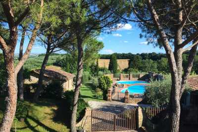 Holiday house with Depandances vacation rental with pool in Valdichiana close to Cortona, Tuscany