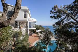 Book now your holiday in this beautiful villa in Tuscany, private villa with swimming pool located on the sea in Castiglioncello in the province of Li