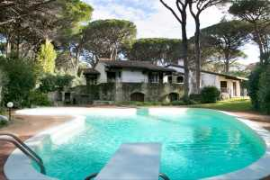 Book now your holiday in Castiglione della Pescaia in Tuscany in this wonderful private villa with pool on the sea in Castiglione della Pescaia